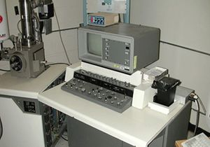 Umt isi cl-6 analytical top.jpg